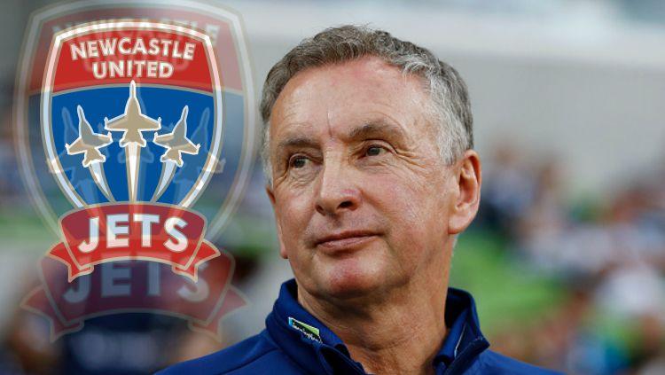 Pelatih Newcastle Jets, Ernie Merrick. Copyright: © Indosport