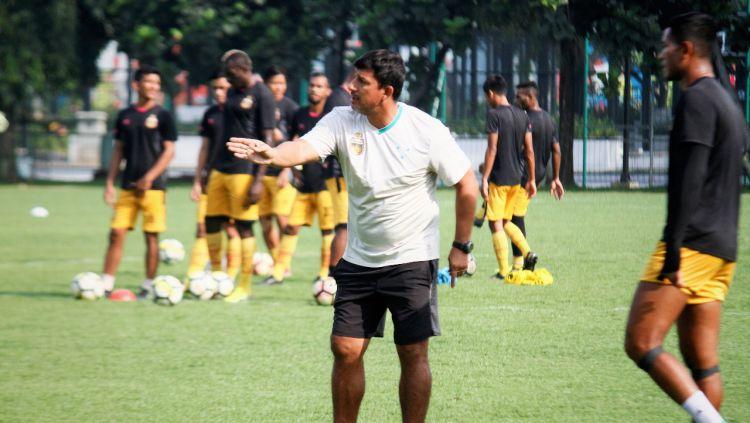 Pelatih Bhayangkara FC, Alfredo Vera. Copyright: © Media Bhayangkara