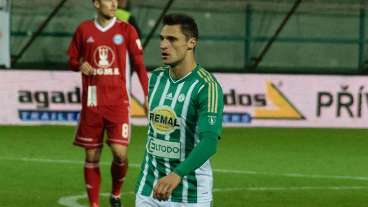 Yevgeni Kabaev saat bermain di salah satu klub Eropa. Copyright: © Istimewa