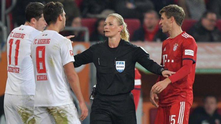 Wasit wanita di Bundesliga Jerman Copyright: © Sport Bible