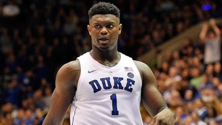 Zion Williamson adalah pemain basket kampus Duke Blue Devis Copyright: © Bleacher Report