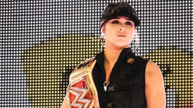 Ronda Rousey tampil sebagai tokoh Mortal Kombat, Sonya Blade. Copyright: © Instagram/Ronda Rousey