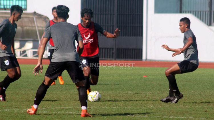 Tim PSIS Semarang saat latihan di Stadion Moch Soebroto, Magelang, Minggu (23/02/19). Copyright: © Ronald Seger Prabowo/Indosport.com