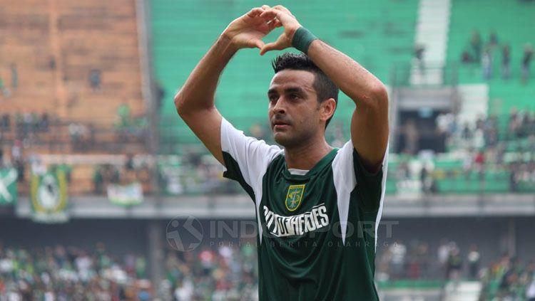 Otavio Dutra melakukan selebrasi usai cetak gol Copyright: © Fitra Herdian/INDOSPORT