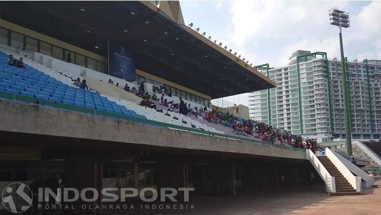 Tribun Stadion Kosong jelang Vietnam vs Timnas Indonesia U-22 Copyright: © Zainal Hasan/INDOSPORT