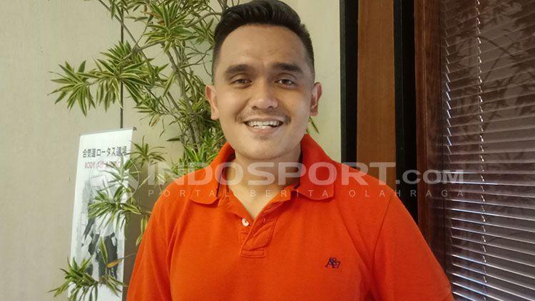 Presenter sepak bola, Valentino Simanjuntak Copyright: © Shintya Maharani
