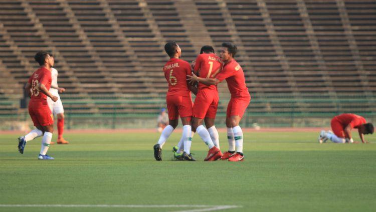 Para pemain Timnas Indonesia merayakan gol yang dicetak Luthfi Kamal ke gawang Vietnam. Copyright: © PSSI