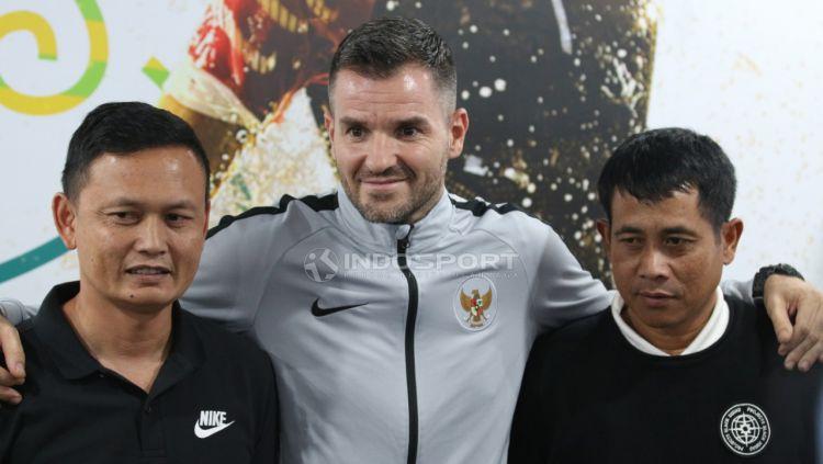 Pelatih Timnas Indonesia senior, Simon McMenemy. Copyright: © Petrus Manus Da'Yerimon/Indosport.com