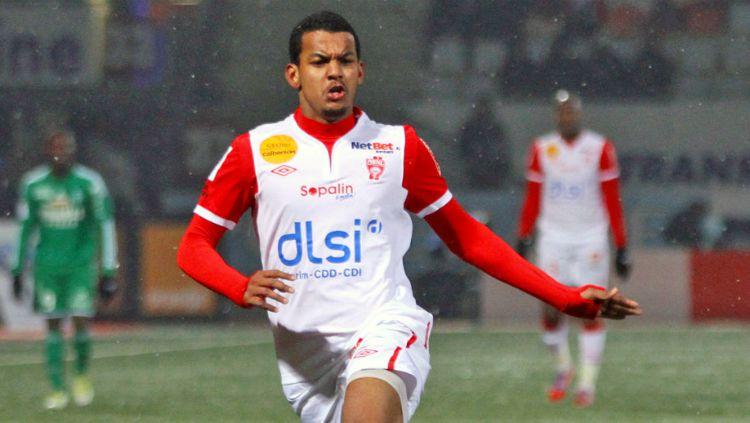 Striker jebolan Ligue 1 Prancis, Florent Zitte. Copyright: © ASNL
