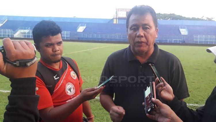 Syafrianto Rusli pelatih Semen Padang. Copyright: © Ian Setiawan/INDOSPORT