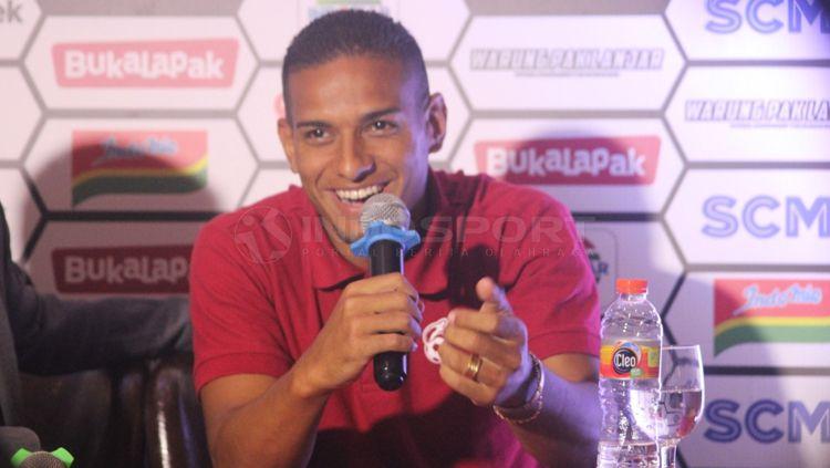 Renan Silva dalam jumpa pers Piala Presiden Copyright: © Ronald Seger/INDOSPORT