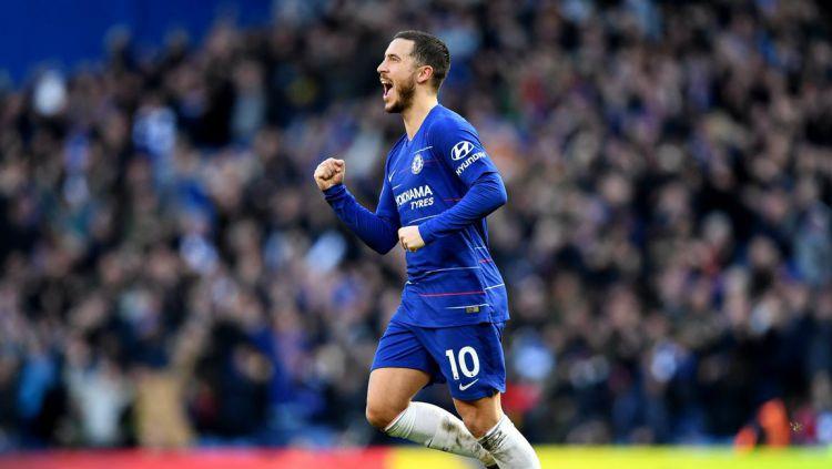 Selebrasi Hazard usai menjadi penyama skor Chelsea melawan Wolves, Minggu (10/03/19). Copyright: © Chelsea