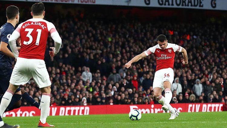 Pelatih Arsenal, Mikel Arteta, mengakui dosa Granit Xhaka yang membuat tim gagal meraih kemenangan atas Burnley di lanjutan Liga Inggris. Copyright: © INDOSPORT