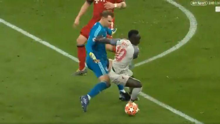 Sadio Mane permalukan Manuerl Neuer lewa skill individunya. Copyright: © Twitter