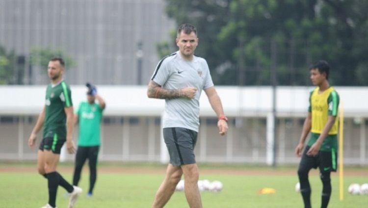Simon McMenemy diputuskan oleh PSSI masih menjabat sebagai pelatih Timnas Indonesia. Copyright: © pssi.org