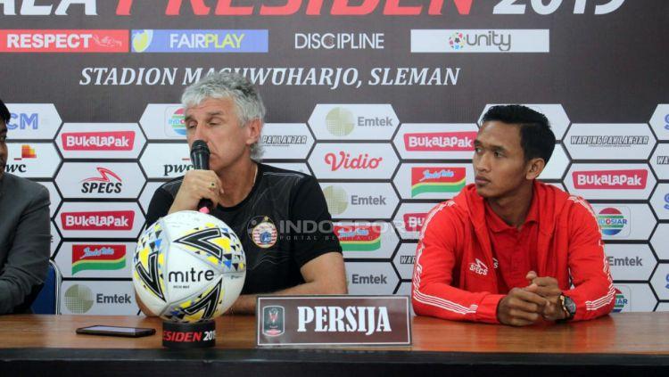 Pelatih Persija Jakarta, Ivan Kolev saat konfrensi pers. Copyright: © Ronald Seger Prabowo/Indosport.com