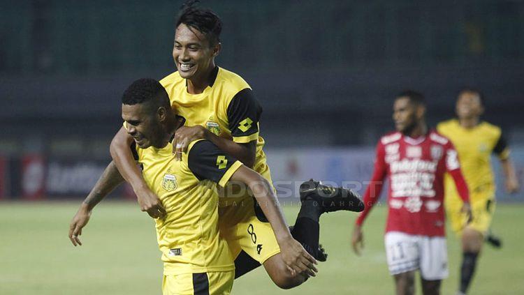 Aksi selebrasi pemain Bhayangkara FC Copyright: © Herry Ibrahim/INDOSPORT