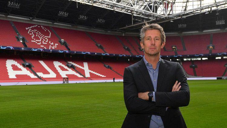 Edwin van der Sar, mantan pemain Manchester United yang kini bekerja di manajemen Ajax Amsterdam. Copyright: © Herald Scotland