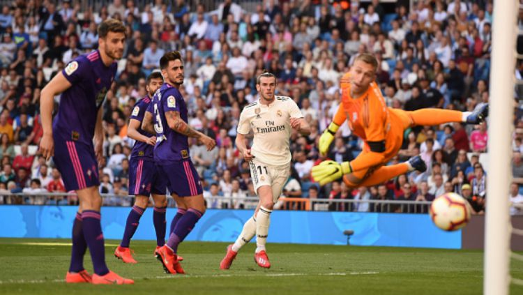 Bale melepaskan tendangan ke gawang Celta Vigo Copyright: © INDOSPORT.COM