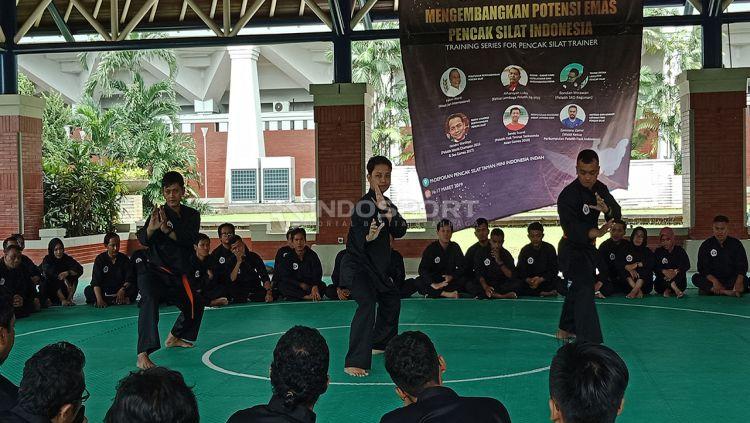 Dukung kemajuan silat Indonesia, sahabat olahraga adakan training pelatih silat se-Indonesia. Copyright: © Shintya Anya Maharani/Indosport.com