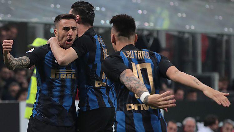 Klub Serie A Liga Italia, Inter Milan, kabarnya bakal mendepak salah satu pemainnya, Matias Vecino. Copyright: © Getty Images/Emilio Andreoli