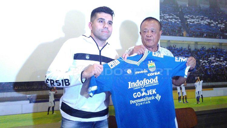 Fabiano Beltrame resmi diperkenalkan manajemen Persib Copyright: © Arif Rahman/INDOSPORT
