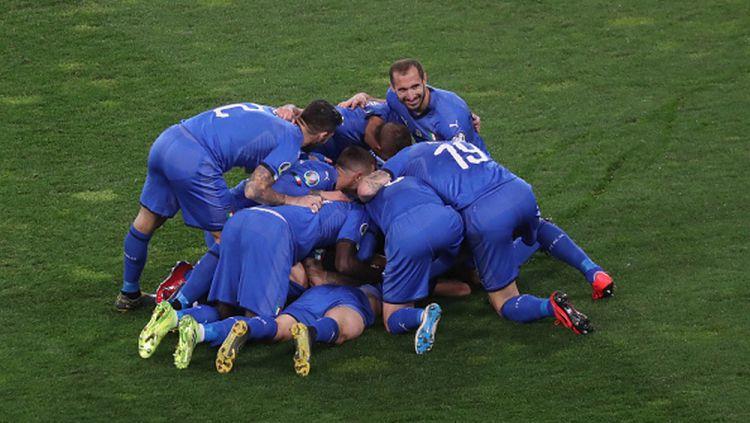 Pemain Italia Melakukan Selebrasi usai Menjebol Gawang Finlandia di Kualifikasi Euro 2020 Copyright: © Maurizio Lagana/Getty Images