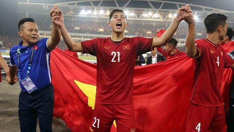 Timnas Vietnam harus mengakui keunggulan Korea Utara di fase Grup D Piala Asia U-23 2020. Vietnam juga mengalami nasib bak jatuh tertimpa tangga karena pemainnya diganjar hukuman FIFA usai mendapatkan kartu merah. Copyright: © anninhthudo.vn