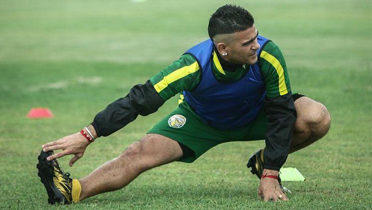 Cristian Gonzales saat sedang berlatih. Copyright: © Instagram/@Bogor FC