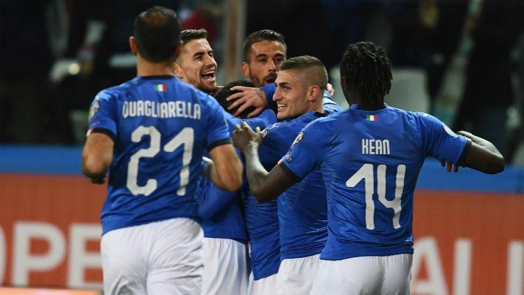 Para pemain Timnas Italia merayakan kemenangan telak atas Liechtenstein di ajang Kualifikasi Euro 2020, Rabu (27/03/19) dini hari WIB. Copyright: © Claudio Villa/Getty Images