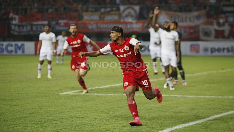 Tak ada salahnya untuk menyelami klub sepak bola tertinggi Indonesia yang bisa menjadi pelabuhan baru untuk karier Bruno Matos. Copyright: © Herry Ibrahim/Indosport.com