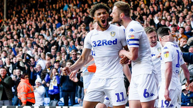 Para pemain Leeds United saat merayakan gol. Copyright: © George Wood/Getty Images