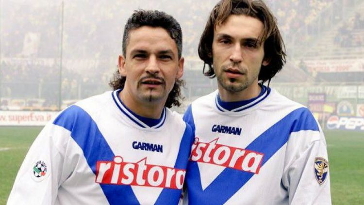 Roberto Baggio dan Andrea Pirlo semasa memperkuat Brescia. Copyright: © charitystars.net
