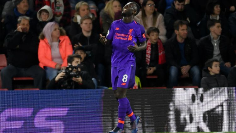 Naby Keita merayakan golnya ke gawang lawan dalam pertandingan Southampton vs Liverpool, Sabtu (06/04/19) dini hari. Mike Hewitt/Getty Images Copyright: © Mike Hewitt/Getty Images