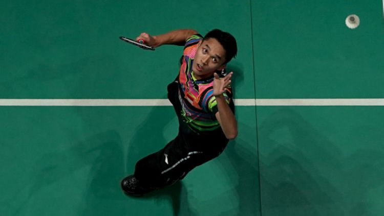 Aksi Jonatan Christie di Malaysia Open 2019 saat melawan Viktor Axelsen. Stanley Chou/Getty Images Copyright: © Stanley Chou/Getty Images