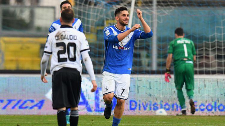 Ernesto Torregrossa merayakan golnya bersama Brescia. Alessandro Sabattini / Stringer Copyright: © Alessandro Sabattini / Stringer