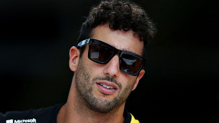 Setelah Lewis Hamilton, Daniel Ricciardo kini turut menyuarakan apirasinya untuk kampanye antirasisme di Formula 1 (F1). Copyright: © Lars Baron/GettyImages
