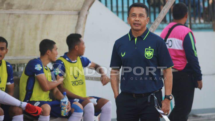 Pelatih PSIS Semarang, Jafri Sastra. (Ronald Seger Prabowo/INDOSPORT) Copyright: © Ronald Seger Prabowo/INDOSPORT