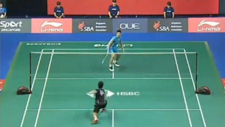 Detik-detik dramatis Anthony Ginting yang melaju ke final Singapore Open 2019. Copyright: © Instagram