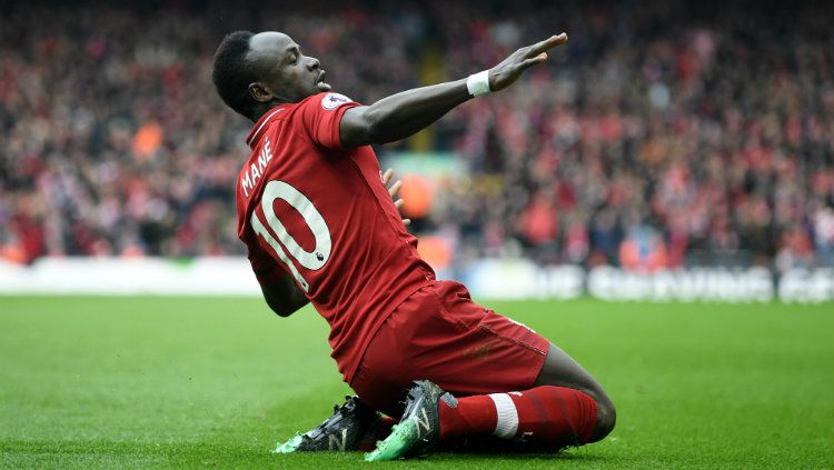 Selebrasi Sadio Mane usai mencetak gol ke gawang Chelsea. Copyright: © Michael Regan/Getty Images
