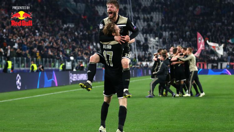 Daley Blind dan Lasse Schone meluapkan kegembiraan usai lolos ke semifinal Liga Champions. Copyright: © Michael Steele/Getty Images
