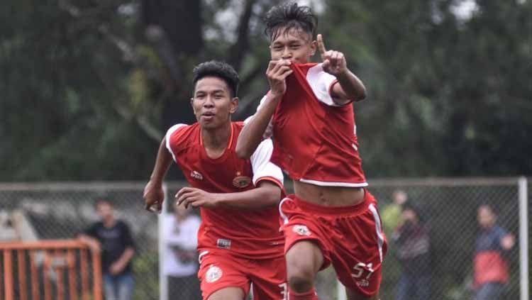 Pelatih Persija U-16, Muhammad Jusuf menilai masih ada kelemahan di timnya terutama di lini belakang. Foto: Media Persija Copyright: © Media Persija