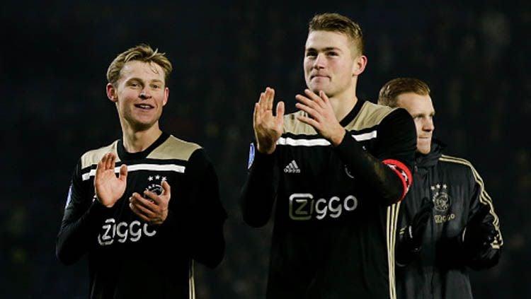Frenkie de Jong (kiri) saat masih bersama Matthijs de Ligt, di Ajax Amsterdam Copyright: © Soccrates Images/GettyImages