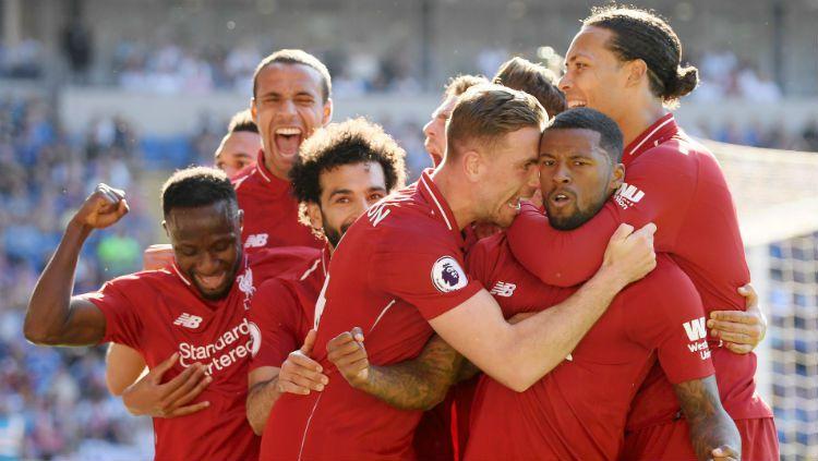 Selebrasi para pemain Liverpool usai Georginio Wijnaldum mencetak gol. Copyright: © Mike Hewitt/Getty Images