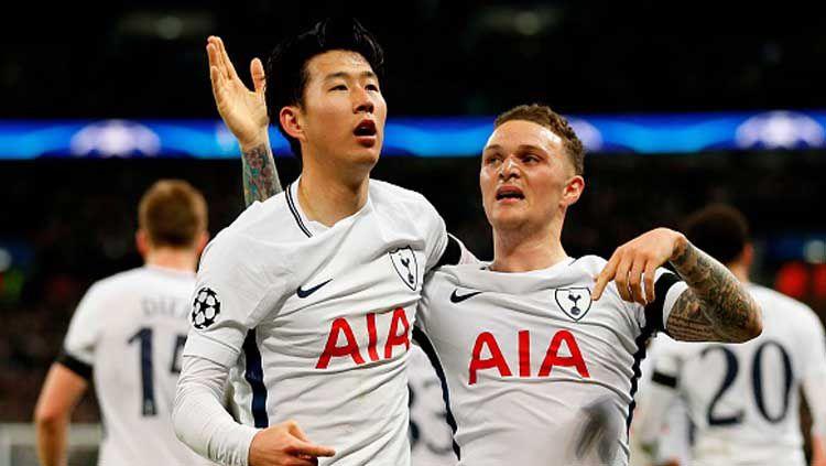 Kieran Trippier dan Son Heung-min saat melakukan selebrasi gol Tottenham Hotspur. Copyright: © IAN KINGTON/GETTYIMAGES