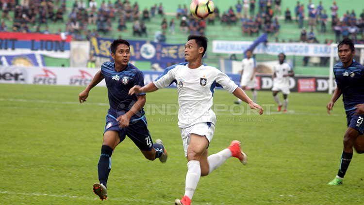 Uji coba Arema FC versus PSIS Semarang di Stadion Gajayana, Malang jelang kompetisi Liga 1 2018 lalu. Ronald Seger Prabowo/INDOSPORT Copyright: © Ronald Seger Prabowo/INDOSPORT
