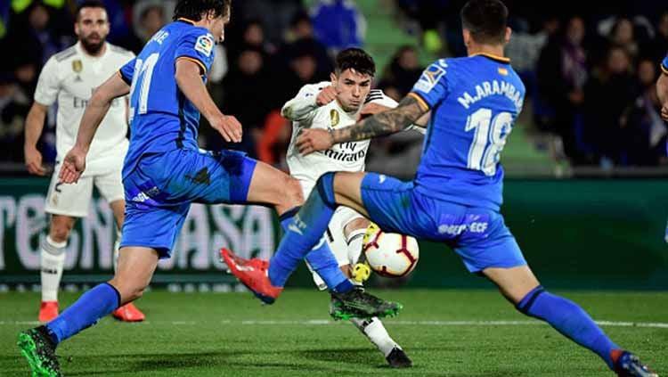 Real Madrid bakal membiarkan wonderkidnya yang jadi incaran AC Milan, Brahim Diaz untuk pergi dari klub LaLiga Spanyol itu di bursa transfer Januari 2020. Copyright: © JAVIER SORIANO/AFP/Getty Images