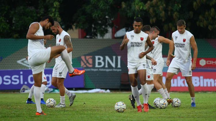 PSM Makassar melakoni latihan resmi jelang melawan Bhayangkara FC pada Kratingdaeng Piala Indonesia di Stadion PTIK, Jumat (26/4/19). Copyright: © Media PSM Makassar