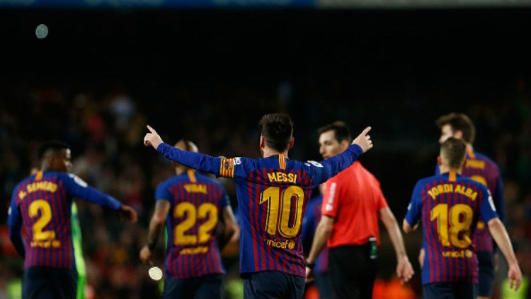 Barcelona menang atas Levante, sekaligus memastikan gelar juara Copyright: © PAU BARRENA/AFP/Getty Images