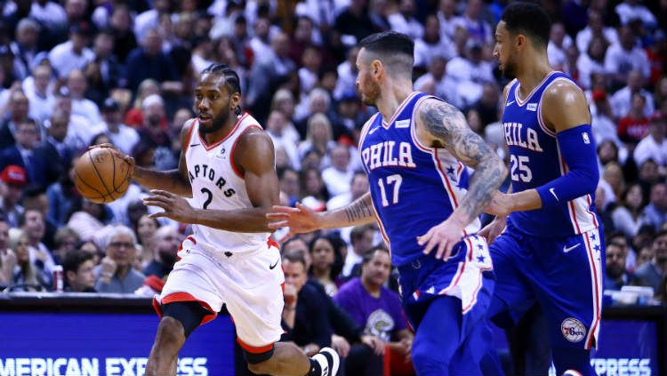 NBA Playoffs: Philadelphia 76ers vs Toronto Raptors berlangsung di Scotiabank Arena, Minggu (28/04/19). Copyright: © Vaughn Ridley/Getty Images